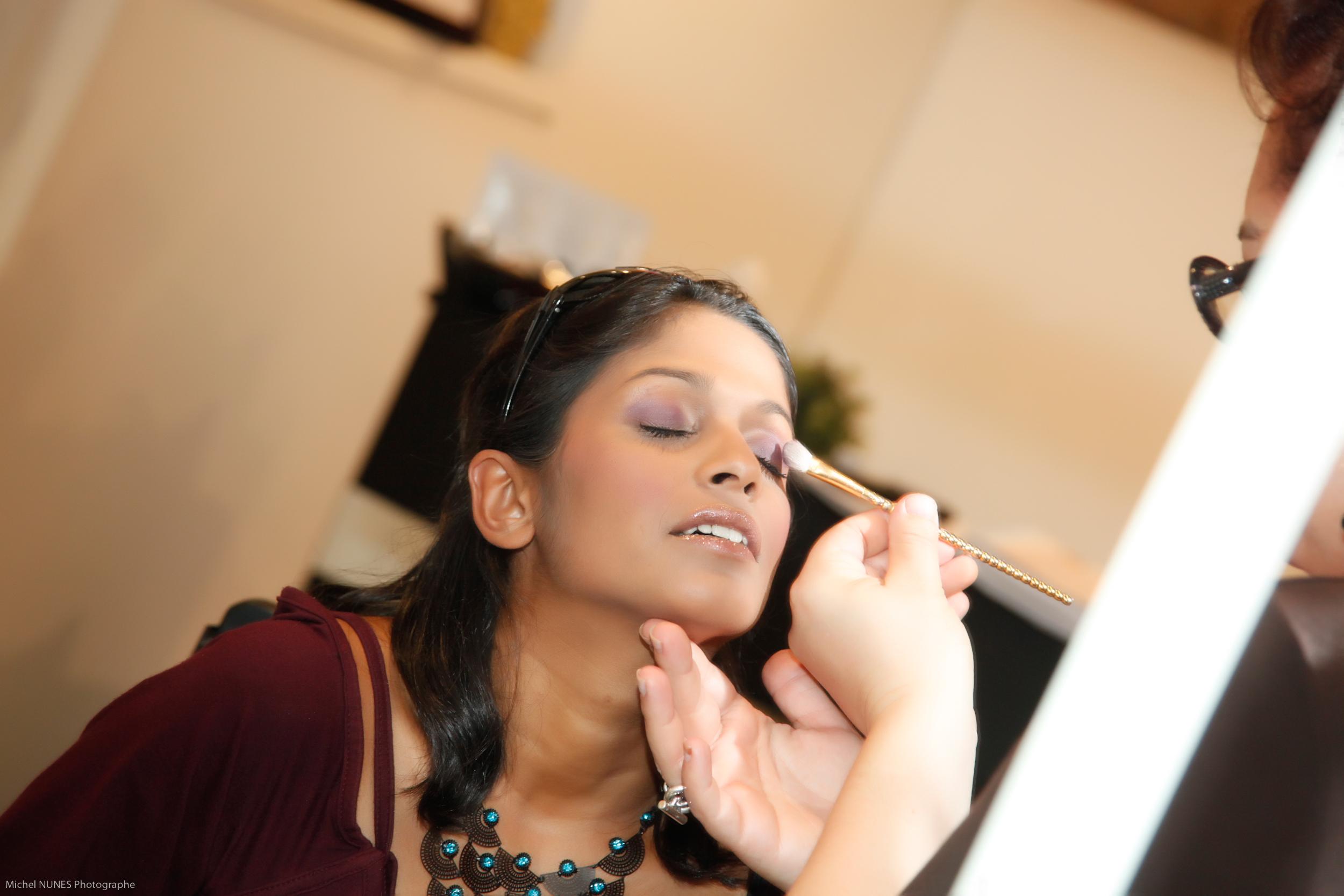 Cours d 39 auto maquillage montpellier salon de coiffure - Salon de coiffure africain montpellier ...
